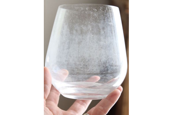 How to Clean Water Spots off Water Glasses